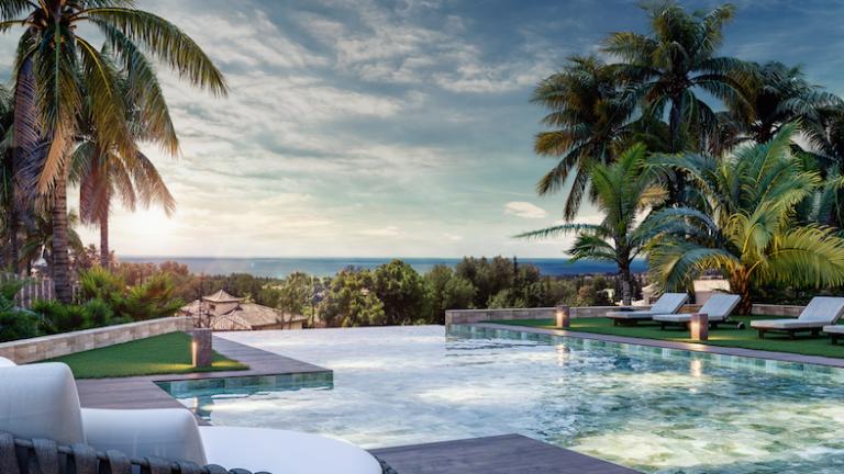 south-west oriented villa in Marbella